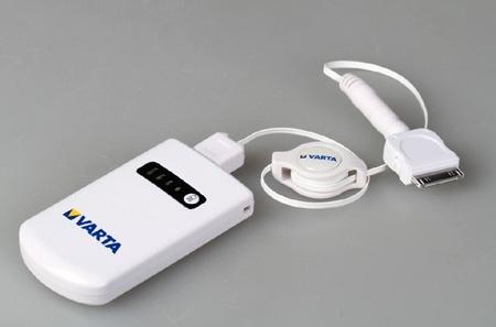 prodlužovací USB kabel připojený k Power Packu