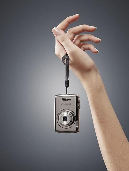 Nikon Coolpix S01 pro dámy