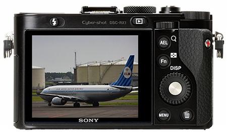 Sony Cyber-shot DSC-RX1 - zadní stěna