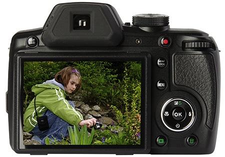 Rollei PowerFlex 360 Full HD - zadní stěna: hledáček, displej, ovladače