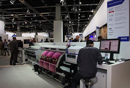 Photokina 2012: kvalitní velkoplošný tisk EPSON