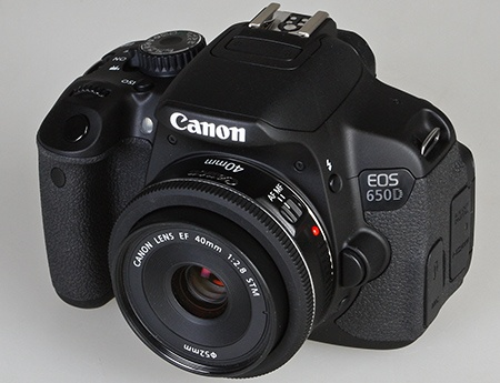 Canon EOS 650D a EF 40 mm 1:2,8 STM
