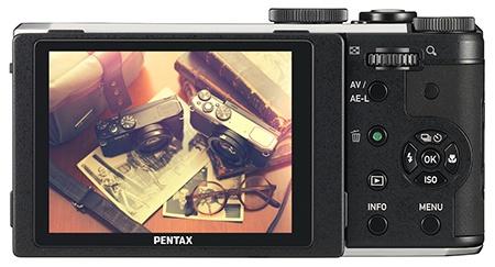 Pentax MX-1 - zadní stěna s displejem
