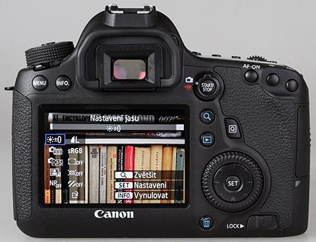 Canon EOS 6D - zadní stěna