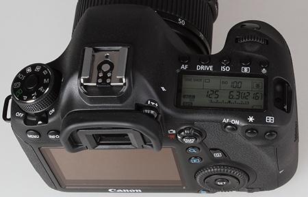 Canon EOS 6D z nadhledu a zezadu