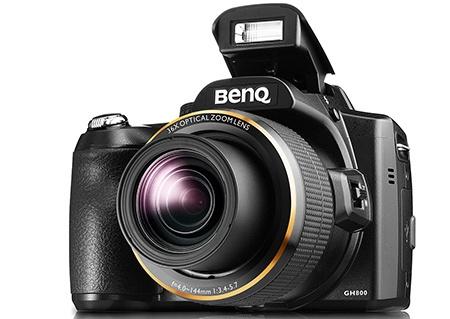 BenQ GH800 s vyklopeným bleskem