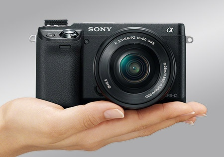 Sony Alfa NEX-6 - lehký a malý