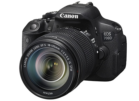 Canon EOS 700D + EF-S 18-135 IS STM