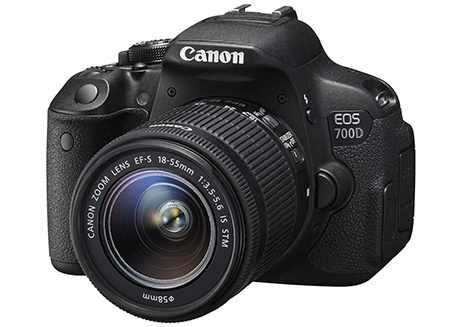 Canon EOS 700D + EF-S 18-55 IS STM