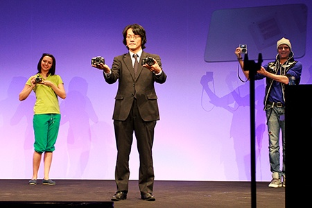Ichiro Kitao prezentuje Lumix G6, tanečníci pak GF6 - tiskovka Vídeň