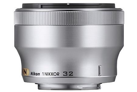 Nikon 1 Nikkor 32 mm 1:1,2 stříbřitý