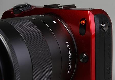 Canon EOS M - LED - pomocné světlo AF