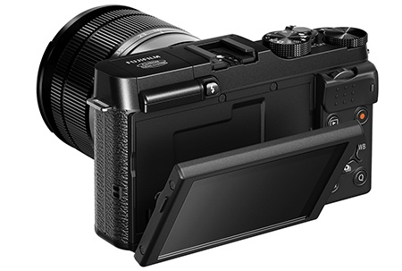 Fujifilm X-M1 - flexibilní LCD