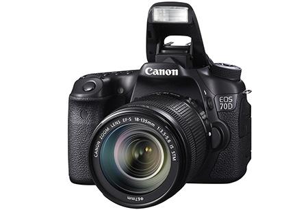 Canon EOS 70D - výklopný blesk