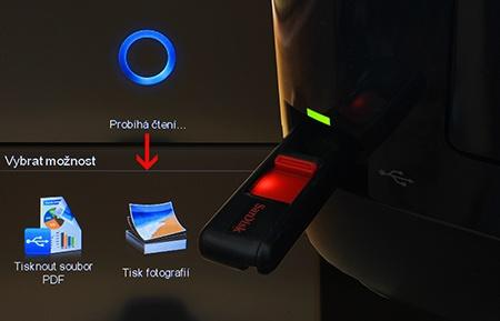 přímý tisk z připojené flash paměti s USB konektorem
