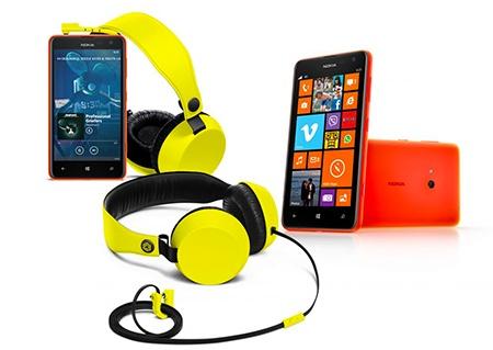 Nokia Lumia 625 a sluchátka BOOM
