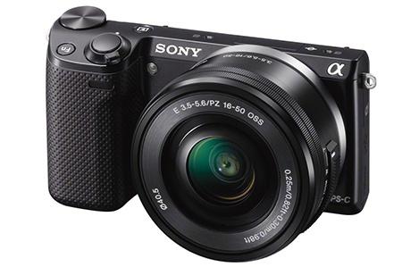 Sony NEX-5T - klasický 3/4 pohled