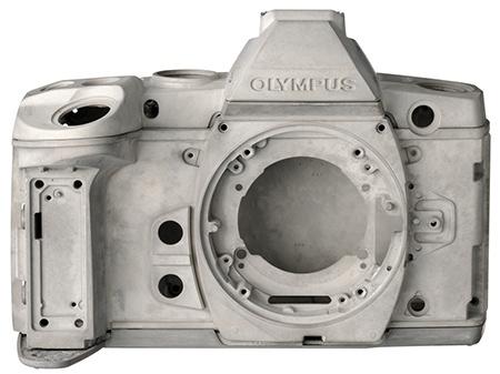 Olympus OM-D E-M1 - hořčíkové šasi