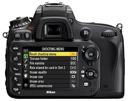Nikon D610 zezadu