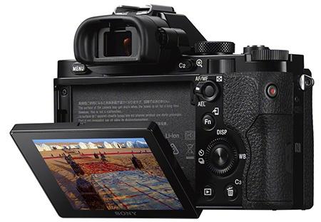 Sony Alfa 7 a 7R - digitální hledáček a výklopný displej