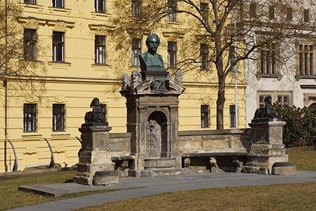 Karlovo náměstí II