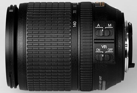 Nikon AF-S DX Nikkor 3,5–5,6/18–140G ED VR - dva přepínače